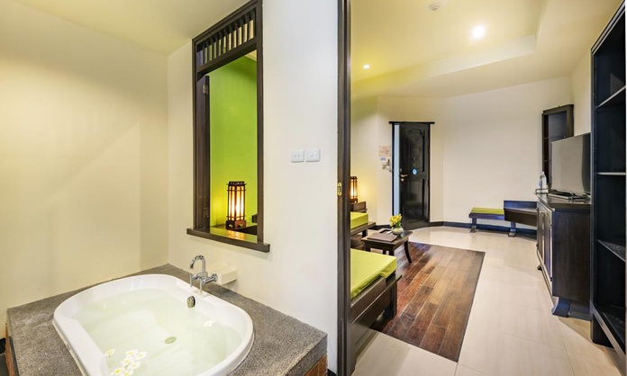 GOLD SUITE POOL ACCESS Lanta Cha-Da Beach Resort & Spa Krabi